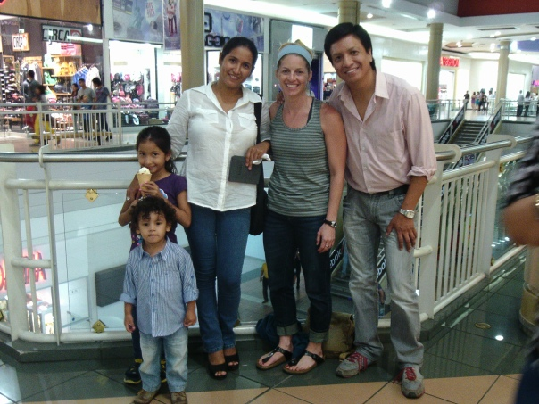 I LOVE this family.  This is my Spanish teacher from Ecuador, Cesar, his wife, Paty, and their kids!  We got to hang out for awhile on my way back home.