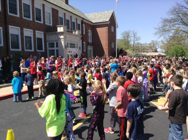 Look at ALL of the kiddos dancing!  What a fun day!
