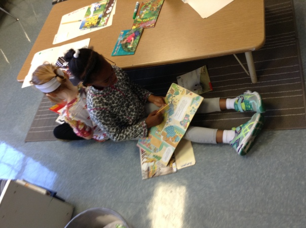 Autumn and Edie are READERS!