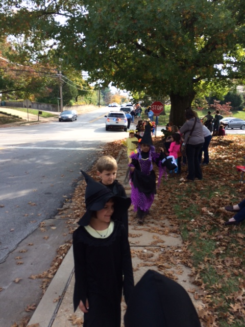 We walked in a school parade to Aberdeen Heights - such fun!