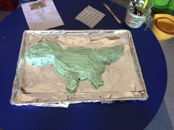 We made a dinosaur cake, too!